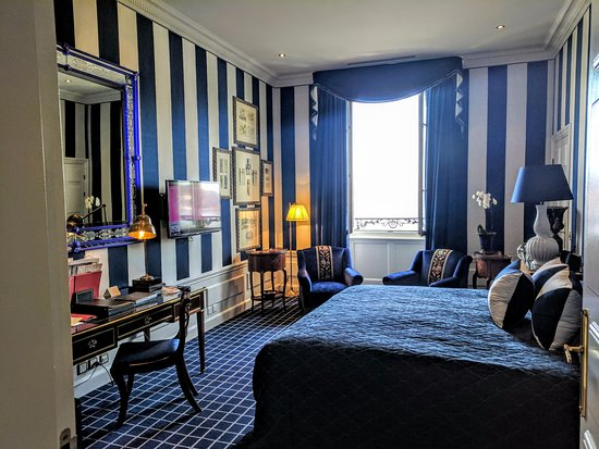 Hotel d'Angleterre: We booked a premium room and were given an upgrade with a better view.