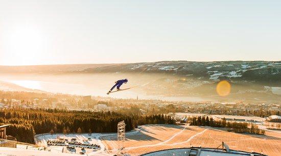 Lillehammer, Noruega: Lysgårdsbakkene Hoppanlegg. Fotograf: Gisle Johnsen