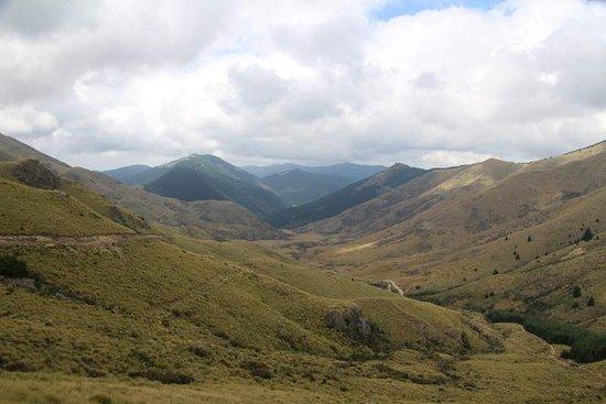 Фейерли, Новая Зеландия: Typical country - glacial valley