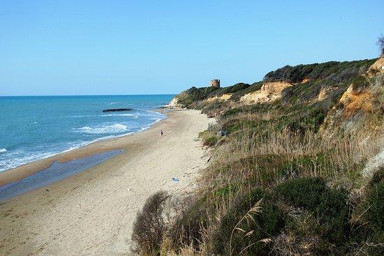 Riserva Naturale di Tor Caldara: litorale di Tor Caldara