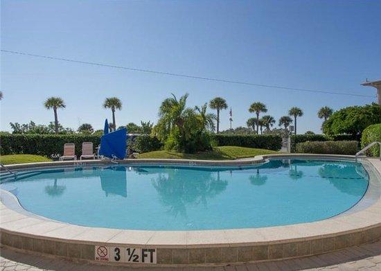 Friendly Native Beach Resort