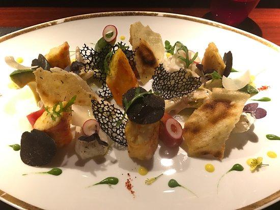 Photo of French Restaurant L'Atelier de Joel Robuchon at 德輔道中12-16號置地廣場4樓401號鋪, Hong Kong, Hong Kong