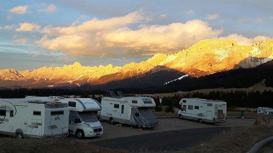 Varena, Włochy: Area Sosta Camper