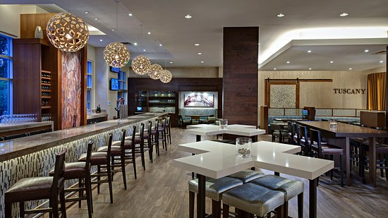 The Woodlands, TX: The lobby bar at The Waterway Marriott