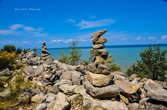 Menominee, MI: Cairns built along the shoreline