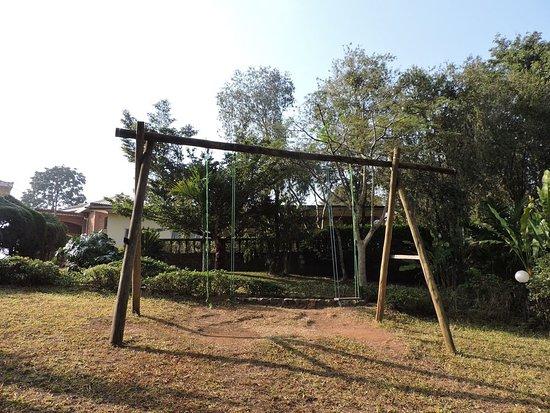 Dschang, Cameroon: Espace de jeu pour les enfants