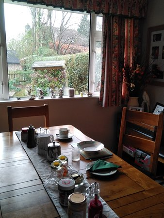 Newick, UK: Wonderful breakfasts served in the dining room