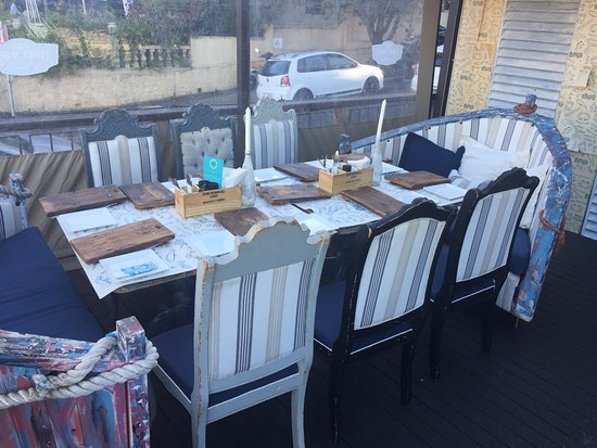 The Deckhouse crab shack: For larger groups