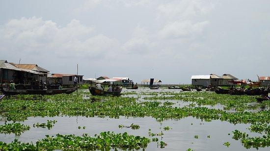Ganvie, Benin: Le marché flottant à côté de l'hôtel