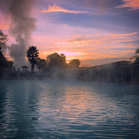 Indian Springs Resort and Spa: Sunrise; a perfect time to take a dip.