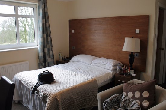 Burnhouse, UK: After us sleeping in the bed (it looked a lot fancier upon arrival)