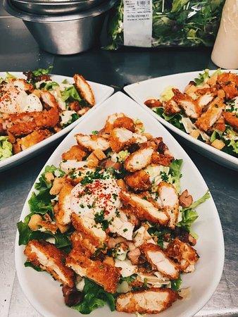 Pegomas, ฝรั่งเศส: Salade césar avec sa vraie sauce aux anchois
