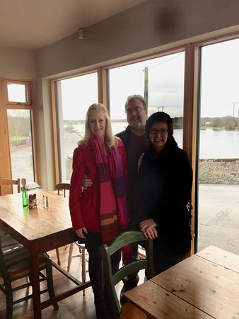Shannonbridge, Irlanda: Lunch at Lukers