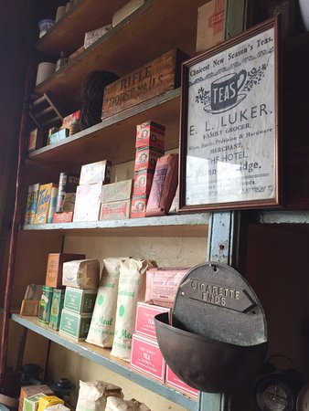 Shannonbridge, Irlanda: Old general store