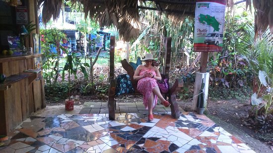Cabinas Talamanca : A warm welcome and relaxing place to chill. Complimentary fruit,coffee and water.  Amazing mosai