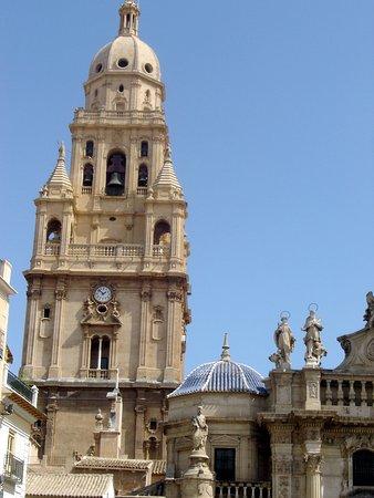 Catedral de Santa María: Murcia Cathedral tower © Robert Bovington