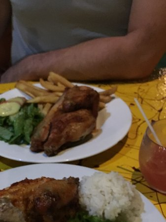 El Pollito Pescador: Excellent juicy chicken!