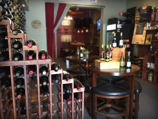 Mount Dora, FL: Come on in and purchase a bottle of your favorite wine