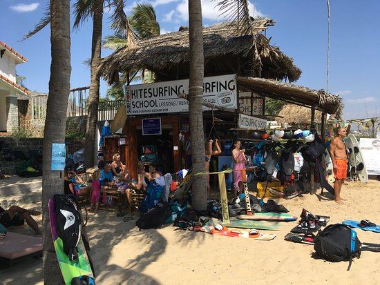 Phan Thiet, Vietnam: Surfpoint Vietnam during the typical training day.