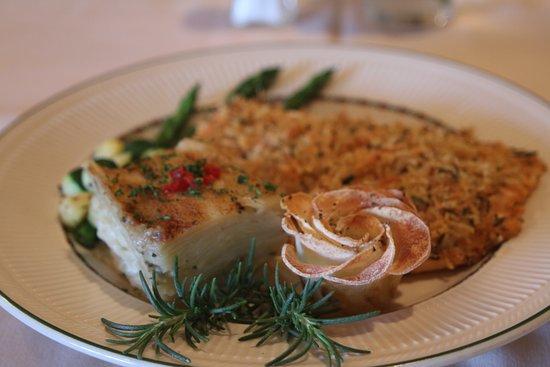 Norman, OK: Herbs-potato crusted Salmon