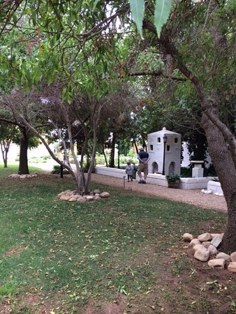 McGregor, Sudáfrica: Tranquil garden at Tibaldi's