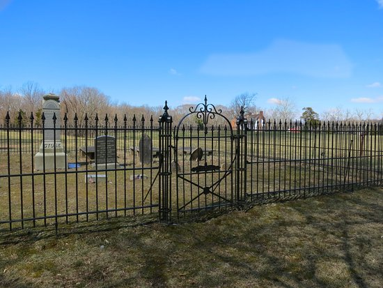 Thomas Stone National Historic Site: Iron fence surrounds family cemetery.