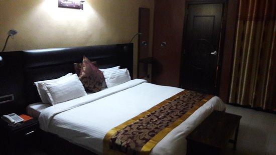 Hotel Le Virage: 20170313_222437_large.jpg