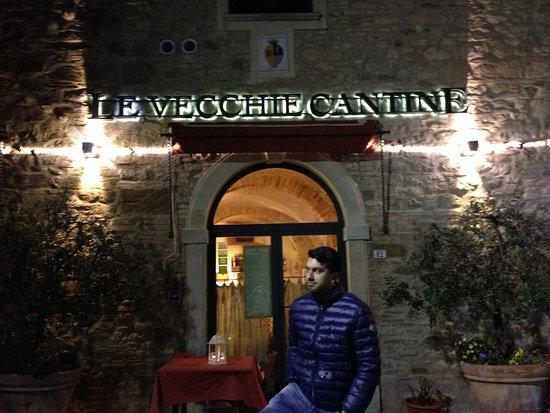 Chianni, Italia: l'ingresso