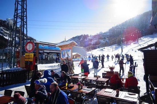 Haute-Savoie, Frankrike: Towards the slopes