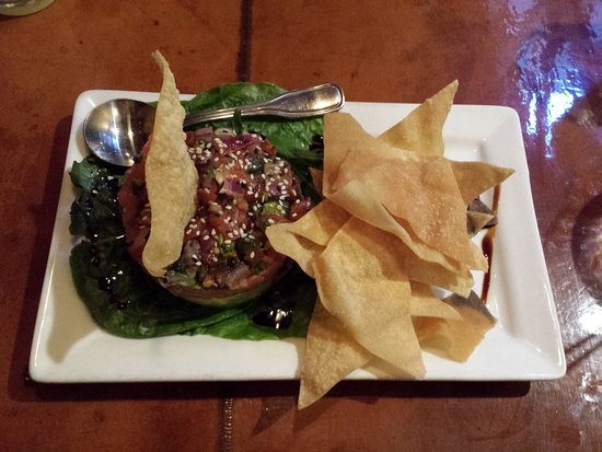Silverheels Bar and Grill: tuna tower appetizer
