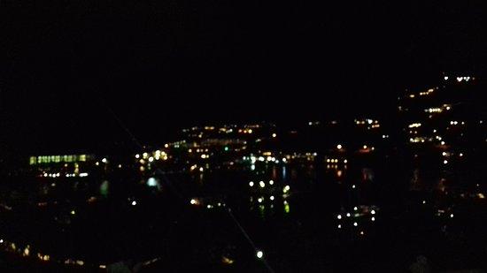 Sol Hotel: Vista la sera
