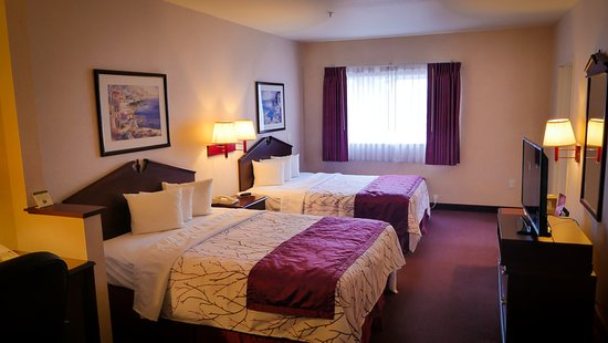 GuestHouse Inn & Suites Portland / Gresham Photo