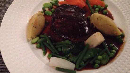 Valros, فرنسا: Restaurant L Asparagus