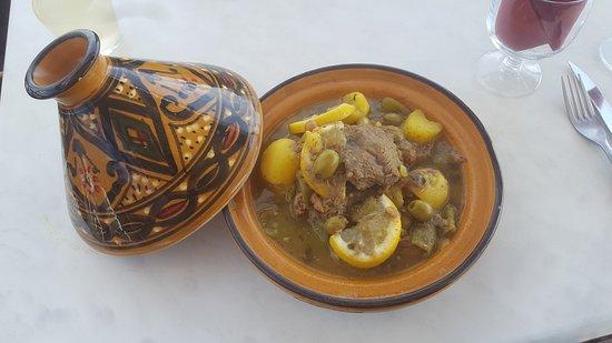 Fos-Sur-Mer, Francja: tajine d'agneau olives et citrons