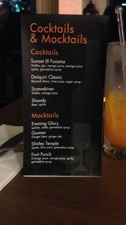 Furama Bukit Bintang: Cocktails de Executive Lounge