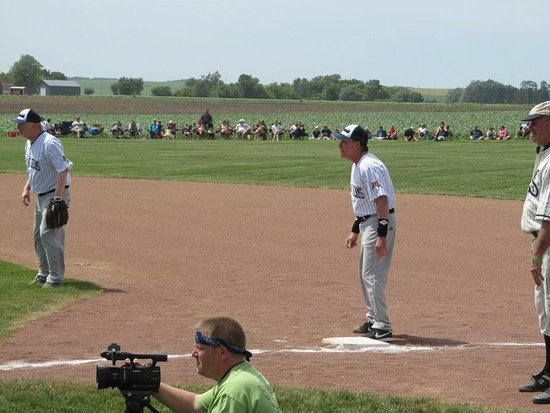 Dyersville, IA: Sportscaster Bob Costas in the celebrity softball game