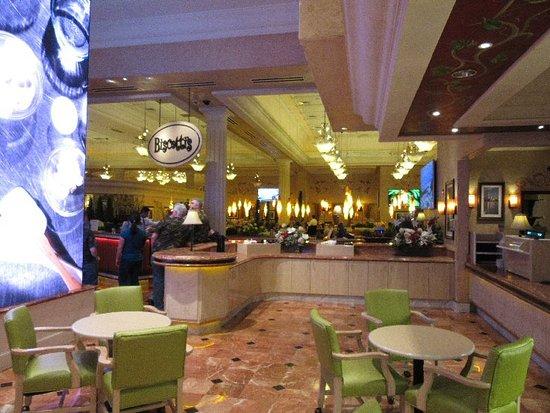Biscotti's: Lounge area