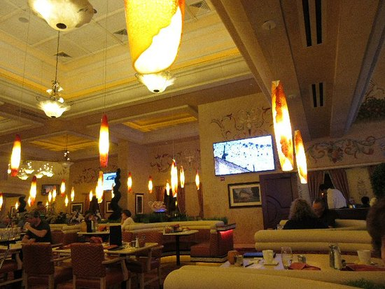 Biscotti's: Seating area