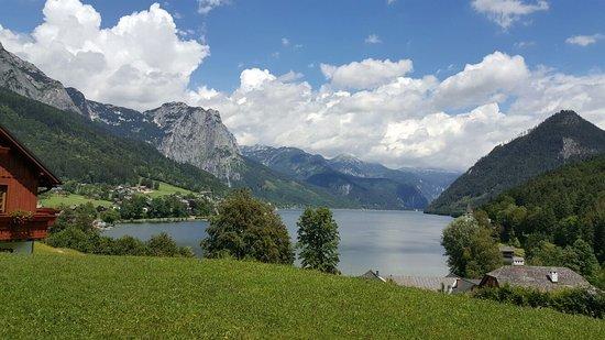Grundlsee, ออสเตรีย: Ausblick Terrasse