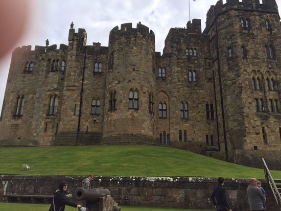 Alnwick, UK: Exterior of the castle