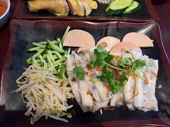 Rosemead, CA: Bánh cuốn - or steamed rice rolls with minced meat, mushroom, etc.