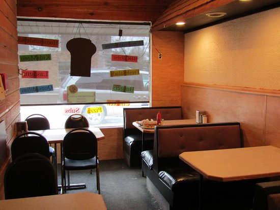 Rosthern, Канада: Seating at King's Fried Chicken