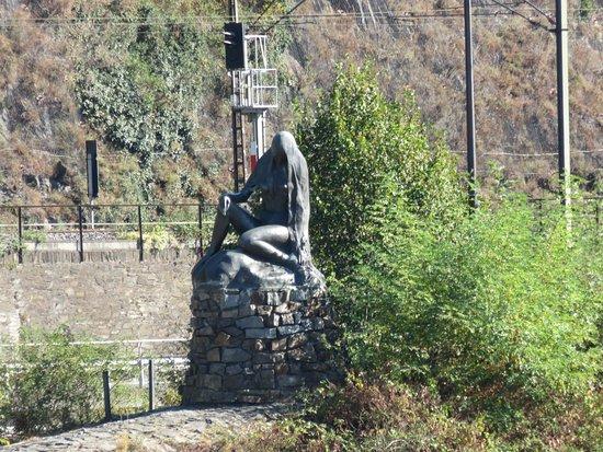 Lignan-De-Bordeaux, Francia: Lorelei Statue