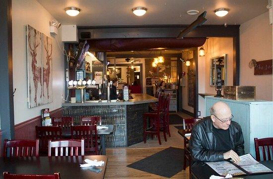 Meaford, Canadá: The Leeky Canoe Pub & Eatery