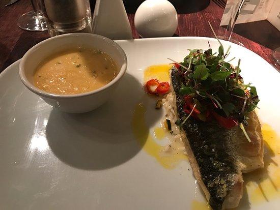Quantro Restaurant Photo