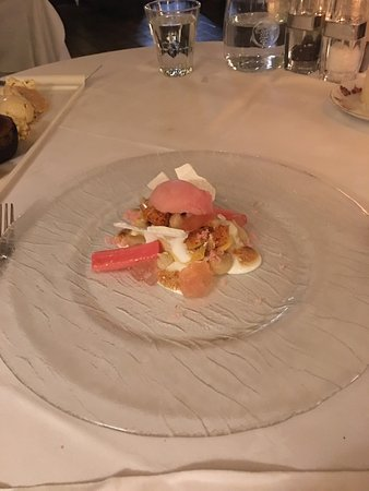 Staddlebridge, UK: Pretty rhubarb dessert