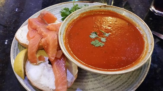 The Flying Horse : Tomato soup and salmon and cream cheese bagel