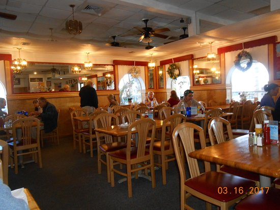 North Fort Myers, FL: dine