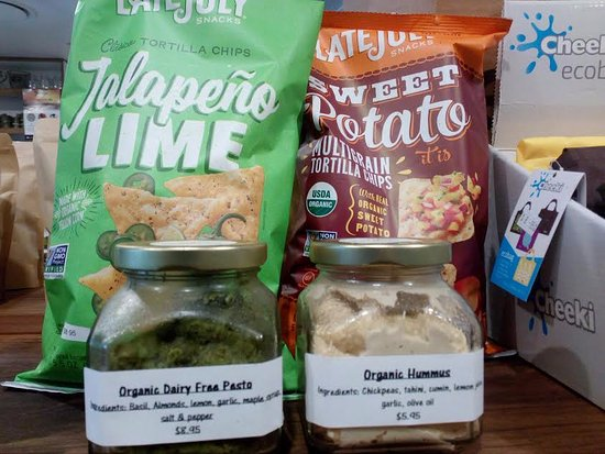Eumundi, Australia: Some organic chips we sell in the health food store
