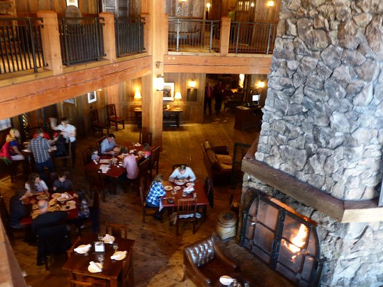 Tabernash, CO: view of the dining area from above